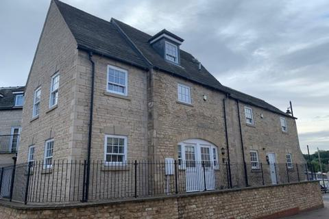 3 bedroom townhouse to rent - Wharf Road, Stamford