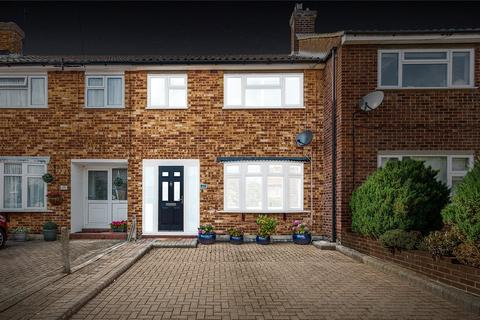 3 bedroom terraced house for sale - Severn Drive, Upminster, RM14