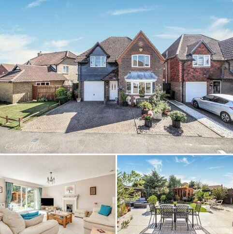 4 bedroom detached house for sale - Chatsworth Drive, Rustington, West Sussex, BN16
