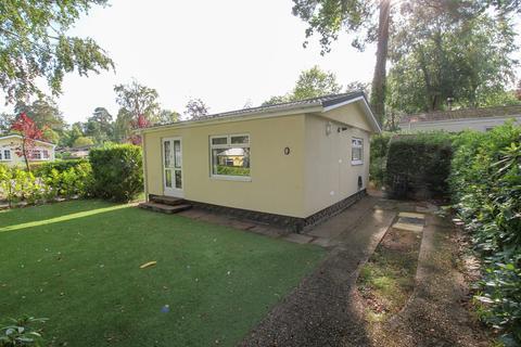 1 bedroom park home for sale - Green Glades, Church Crookham, Fleet, GU52
