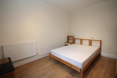 2 bedroom flat to rent - Pembury Road, Hackney, London, E5 8JS