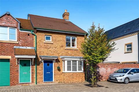 3 bedroom end of terrace house for sale - Staldon Court, Wichelstowe, Swindon, SN1