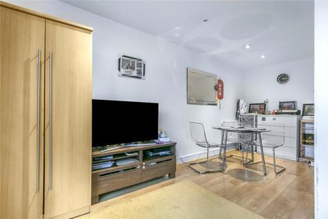 2 bedroom apartment for sale - Turner Street, London, E16