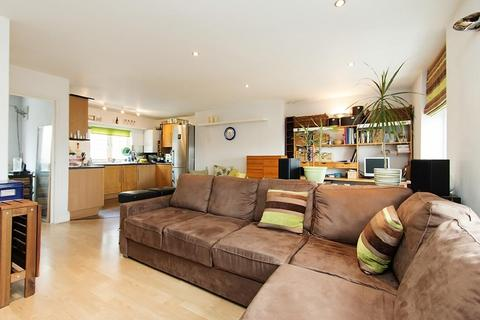 2 bedroom penthouse to rent - Chequer Street, London, EC1Y