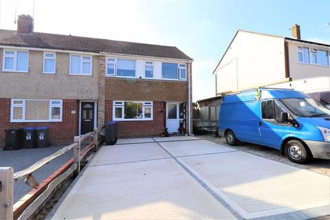 3 bedroom end of terrace house for sale - Pentland Road, Worthing