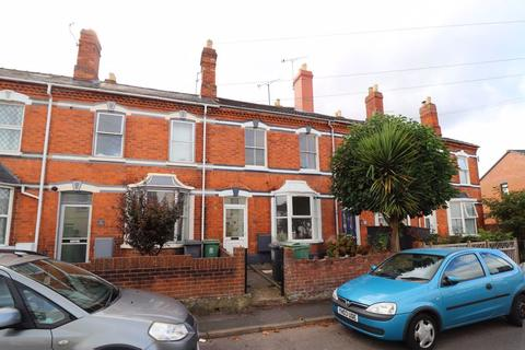 3 bedroom terraced house to rent - Edwy Parade, Gloucester