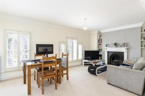2 bedroom flat for sale - Upper Richmond Road, London