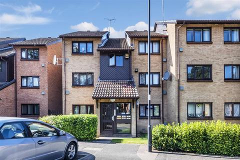 1 bedroom flat for sale - Pycroft Way, London