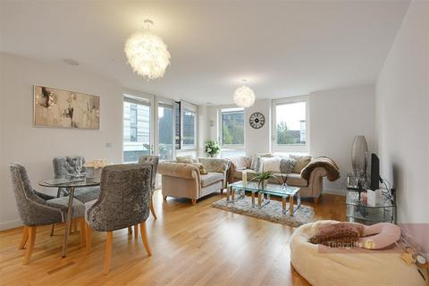 2 bedroom apartment for sale - Vale Court, Ealing Road, Brentford