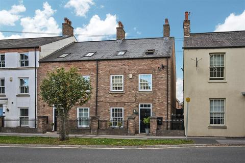4 bedroom townhouse for sale - Main Street, Fulford