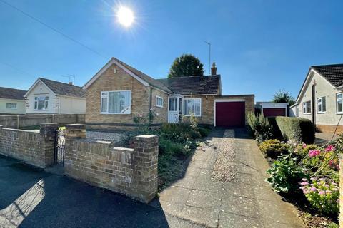 3 bedroom detached bungalow for sale - Glebe Avenue, Hardingstone, Northampton, NN4