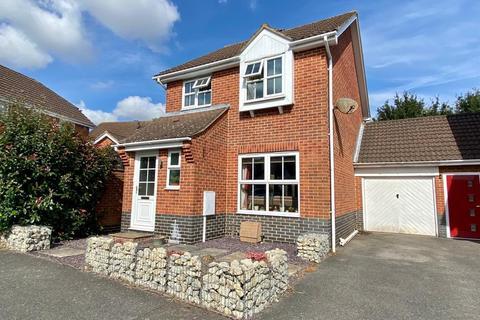 3 bedroom detached house for sale - Hawthorn Road, Kingsnorth, Ashford