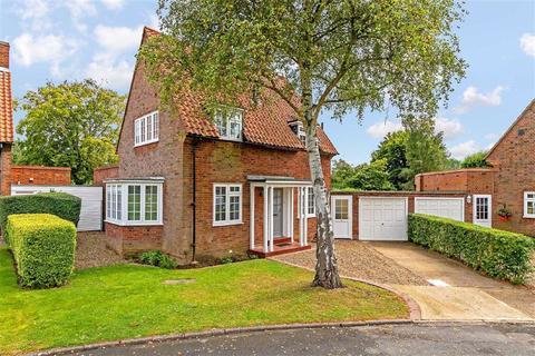 3 bedroom detached house for sale - Barleycroft Green, Welwyn Garden City
