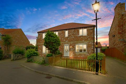 3 bedroom house for sale - Kings Hill, Caythorpe, Grantham