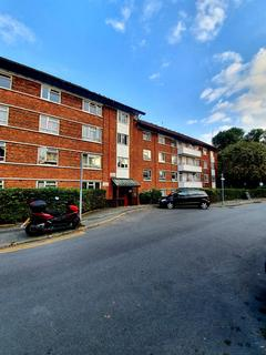 3 bedroom apartment to rent - Wydeville Manor Road, London, SE12