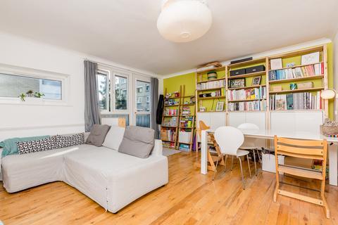 3 bedroom flat for sale - Maddock Way, Kennington, SE17