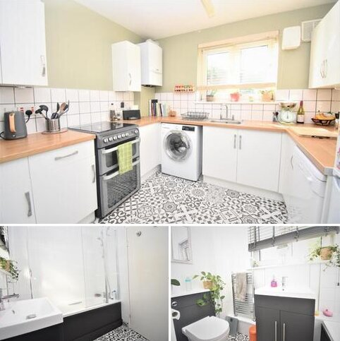 2 bedroom flat to rent - Well Hall Road London SE9