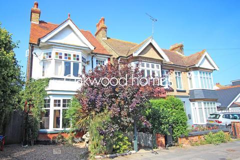 2 bedroom ground floor flat for sale - Lyndhurst Avenue, Cliftonville, Margate