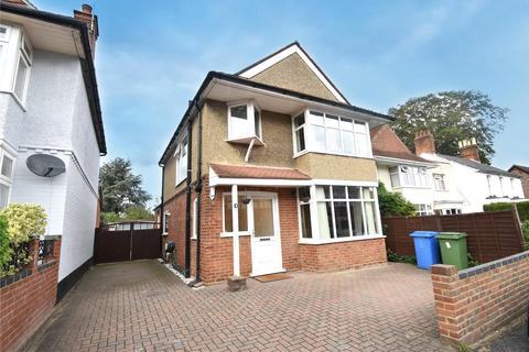 3 bedroom detached house for sale - Closeworth Road, Farnborough, Hampshire, GU14