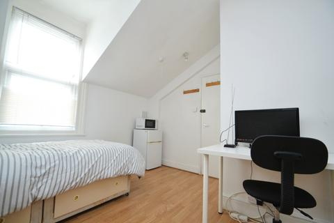 House share to rent - George Lane London SE13