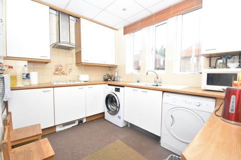 5 bedroom terraced house to rent - Firhill Road London SE6