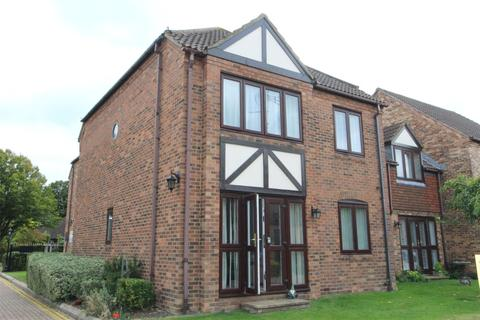 2 bedroom apartment for sale - Orchard Mead, Eastwood Road North, Leigh-on-Sea, SS9