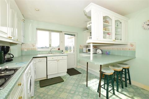 3 bedroom detached bungalow for sale - Station Road, Wootton, Isle of Wight