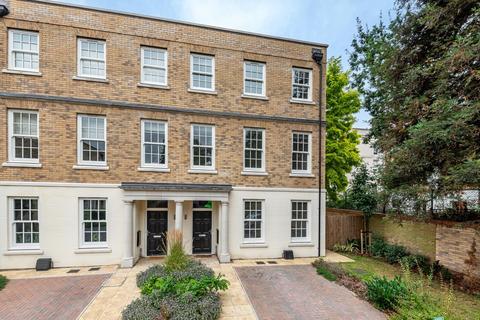 4 bedroom townhouse to rent - Lourdes Close Lewisham SE13
