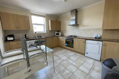 2 bedroom flat to rent - Green Lanes, Palmers Green