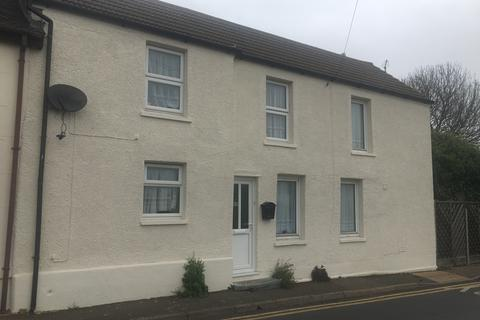 3 bedroom end of terrace house to rent - High Street, Minster on Sea, Kent ME12
