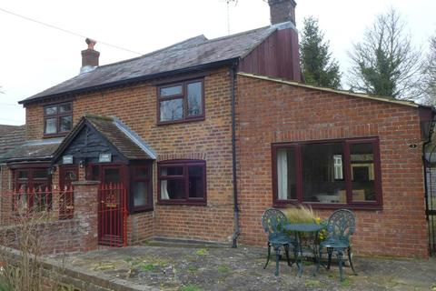 2 bedroom semi-detached house to rent - Mill Lane, Weston Turville,