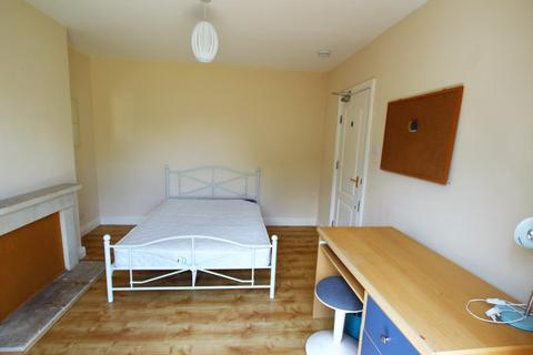 6 bedroom house share to rent - 6 Rooms inclusive of bills - Comer Road