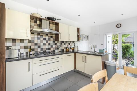 4 bedroom terraced house for sale - Livingstone Road