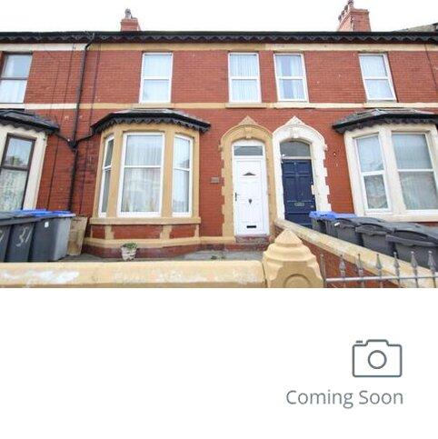 2 bedroom apartment to rent - Flat 1, 37 Cheltenham Road