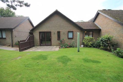 2 bedroom semi-detached bungalow for sale - Dumbrells Court, North End, Ditchling