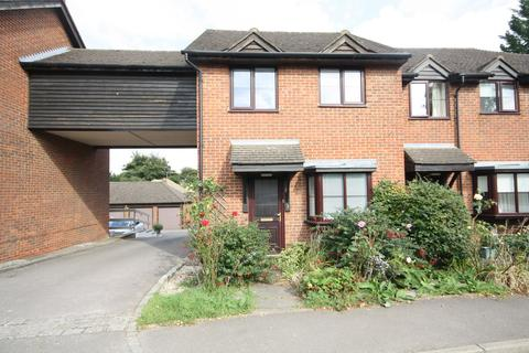 2 bedroom house to rent - The Vale , Chalfont St Peter , SL9