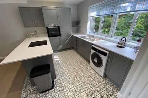 2 bedroom apartment to rent - Hayes Lane, Kenley
