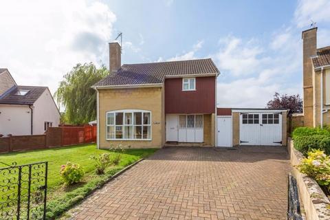 3 bedroom detached house for sale - Cedar Drive, Bicester