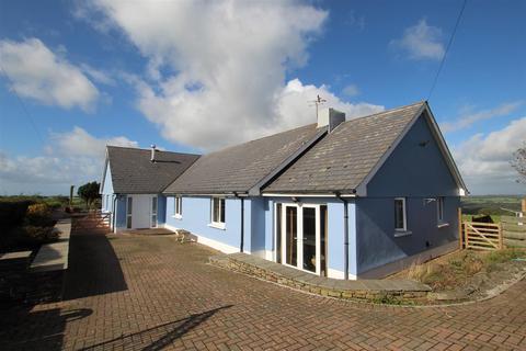 4 bedroom property with land for sale - Ciliau Aeron, Nr Aberaeron