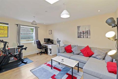 1 bedroom flat for sale - Ravenscroft Road, Beckenham, Kent