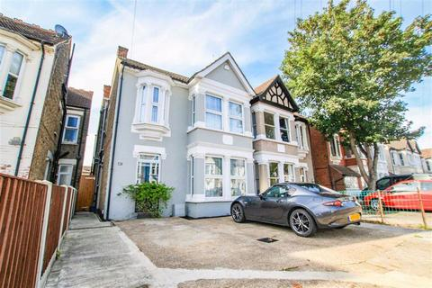 4 bedroom semi-detached house for sale - Anerley Road, Westcliff-On-Sea, Essex