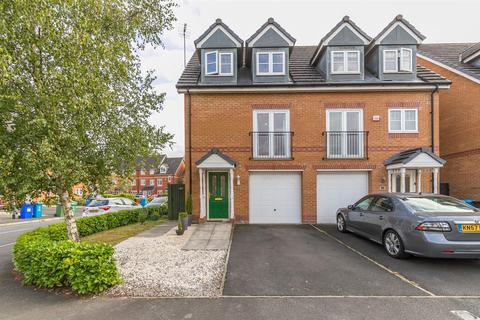 3 bedroom townhouse for sale - Lawnhurst Avenue, Wythenshawe, Manchester