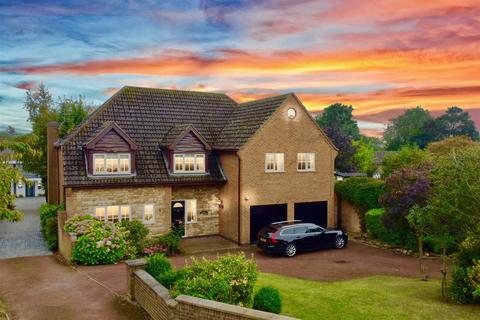 5 bedroom detached house for sale - High Road, Barrowby, Grantham