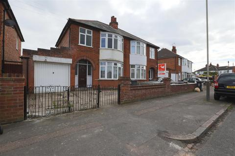 3 bedroom semi-detached house to rent - Sutton Avenue, Leicester