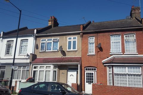 4 bedroom semi-detached house to rent - Leigh Road, London E6
