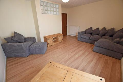 2 bedroom flat to rent - St Andrew Street, City Centre, Aberdeen, AB25