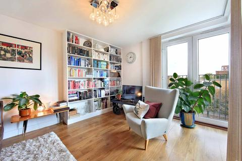 3 bedroom apartment for sale - Durant Street, London, E2