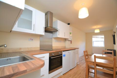 2 bedroom flat to rent - Loampit Vale London SE13