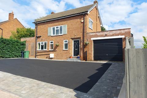 3 bedroom detached house for sale - Kingsway, Stourbridge, DY8 4SP