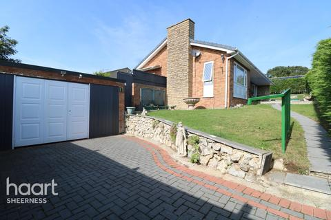 3 bedroom bungalow for sale - Whybornes Chase, Sheerness